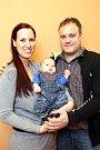 Vítání dětí 15.1.2016 na radnici ve Zlíně. Daniel Vladyka a Monika Veverková se synem Ondřejkem Vladykou.