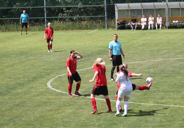 fotbalový přebor žen Holešovské holky - Brumov