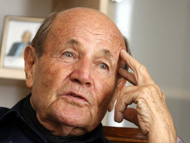 Profesor Jaroslav Rybka. Ilustrační foto.