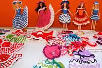 O víkendu 14. a 15. května 2016 se v Sazovicích konala výstava modelářů a sběratelských předmětů, obohacená o expozici panenek v háčkovaných oblečcích.