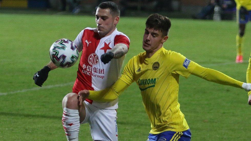 Fotbalisté Zlína (ve žlutých dresech) proti pražské Slavii - 27. ledna 2021