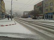 Takto vypadaly silnice v pátek 1. ledna krátce po 15. hodině v centru Zlína.