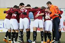 Fotbalisté Sparty před zápasem.