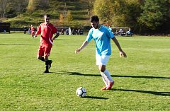 Fotbalisté Bylnice skolili Štípu až na penalty, přesto díky lepšímu skóre udrželi vedoucí pozici před druhým Kostelcem.
