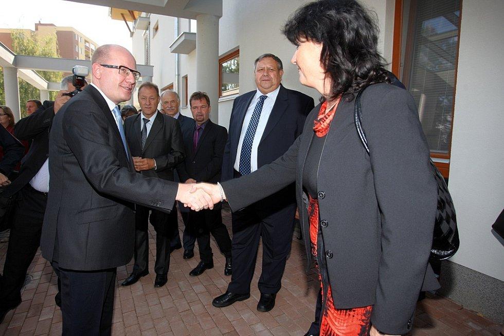 Slavnostního otevření domu pro seniory v Luhačovicích se zúčastnil i premiér Bohuslav Sobotka..