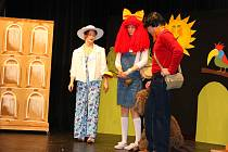 V sobotu 18. listopadu 2017 se v Sokolovně v Lípě u Zlína konala premiéra divadelního představení Mach a Šebestová. Sehrál ji Ochotnický soubor Lípa.