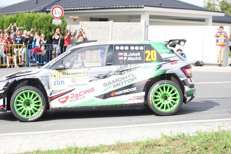 V rámci 49. ročníku Barum Czech Rally Zlín absolvovali v sobotu dopoledne jezdci rychlostní zkoušku Březová. Na snímku Miroslav Jakeš.