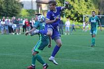 Fotbalisté Slavičína (v modrém). Foto: Deník/Jan Zahnaš