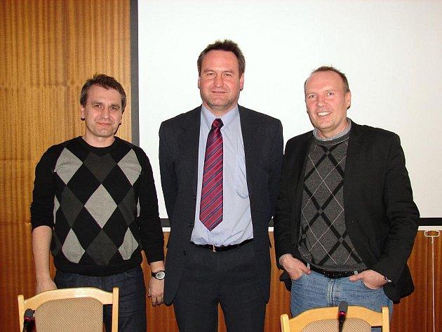 Předseda KFS Zlín Vlastimír Hrubčík (vlevo). Ilustrační foto.