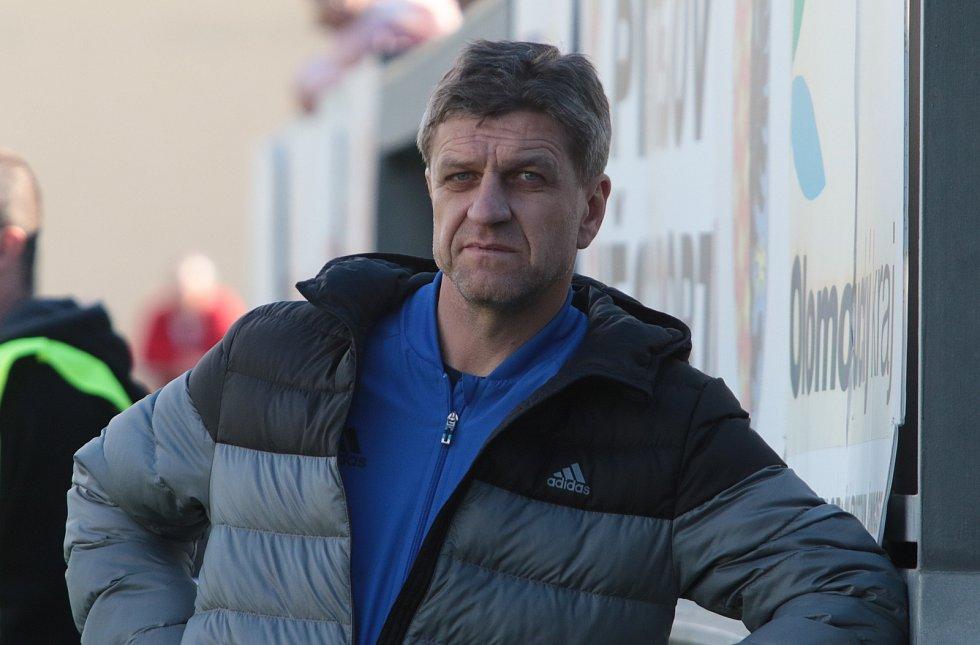 Defenzivní záložník Josef Mucha (na snímku) hrával ve Zlíně na začátku i sklonku bohaté kariéry. Nyní trénuje v Jihlavě.