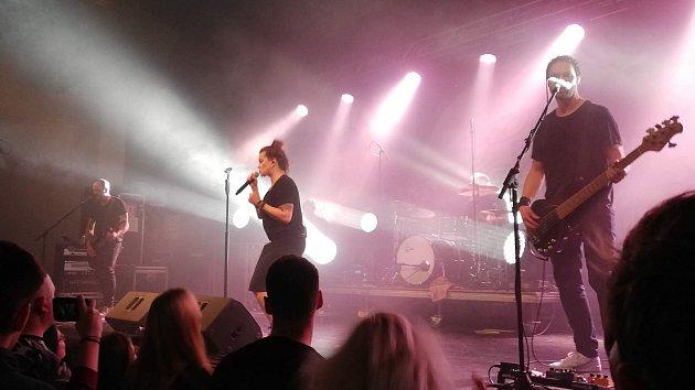Marta Jandová spolu se svojí německou kapelou Die Happy