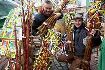 Velikonoční jarmark na náměstí Míru ve Zlíně. Pomlázky a karslice Jaroslav Bártl Světlá nad Sázavou