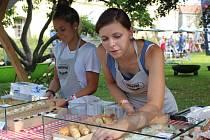Ve Zlíně se tento víkend koná Garden Food Festival. Přilákal zajímavé kuchaře a ochutnávat se mohou ještě zajímavější speciality.
