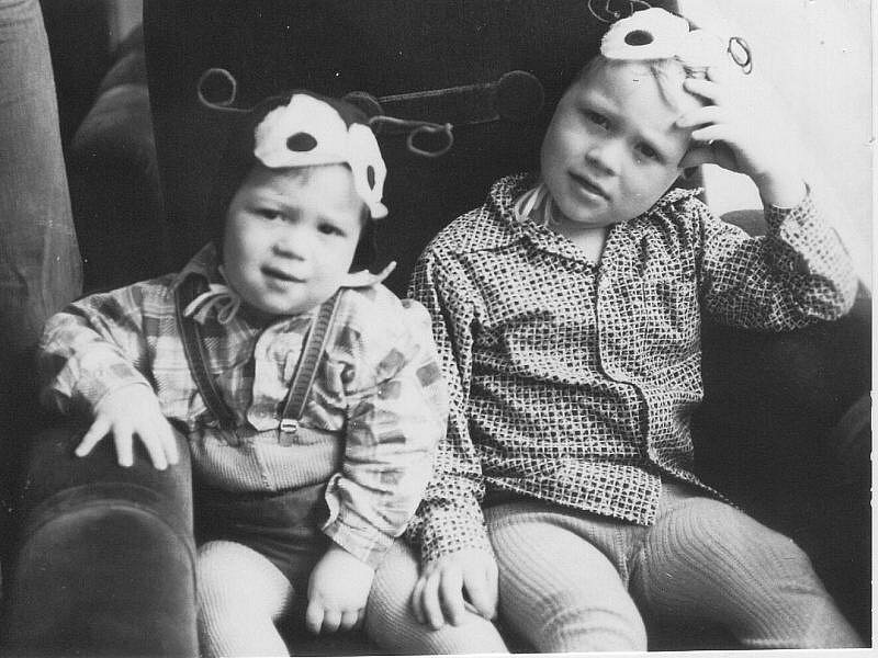 Bratři Ivan a Karel Rachůnkovi v dětství