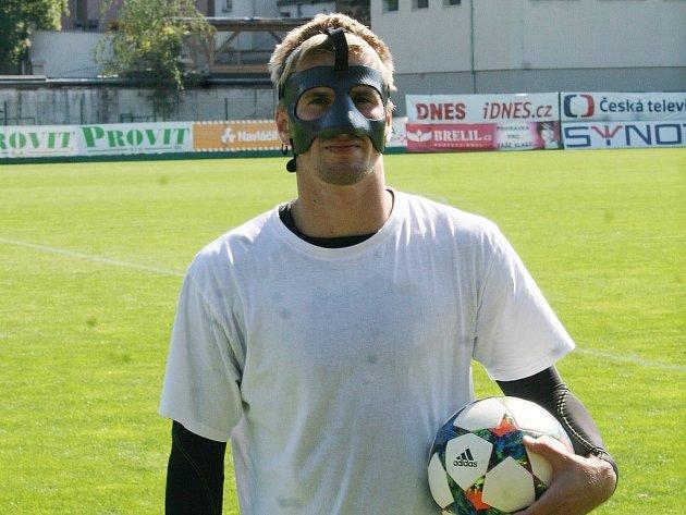 Jakub Jugas s karbonovou maskou