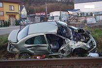 Střet vlaku s osobákem zastavil provoz na trati v Luhačovicích.