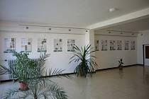 V prostorách galerie ZŠ je k vidění výstava Knihy našich prarodičů