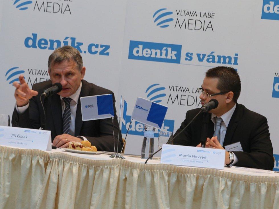 Akce Deník s Vámi, panelová diskuze s hejtmanem Zlínského kraje. Jiří Čunek, Martin Nevyjel