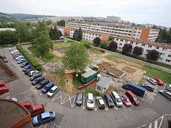 Stavební činnost za 1. segmentem na sídlišti Jižní Svahy ve Zlíně.