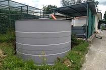 Zlínská zoo již několik let zavádí řadu aktivních opatření týkajících se hospodaření s vodou. Na snímku nádrže ochovna.