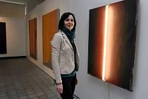 Výstava Svatopluka Slovenčíka v krajské galerii ve Zlíně. Na snímku kurátorka výstavy Pavlína Pyšná
