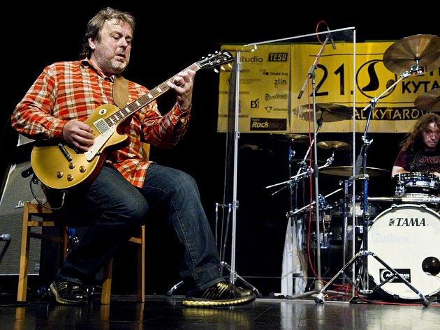 Jednadvacátý ročník festivalu Setkání kytaristů.