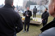Pietní akt ke 120. výročí narození Jana Antonína Bati. U sochy J. A. Bati v Univerzitním parku ve Zlíně.