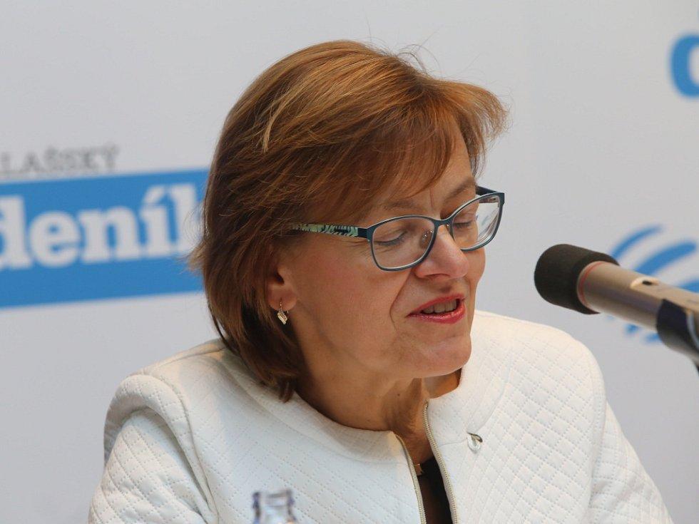 Akce Deník s Vámi, panelová diskuze s hejtmanem Zlínského kraje. Miriam Majdyšová, ředitelka krajského úřadu práce