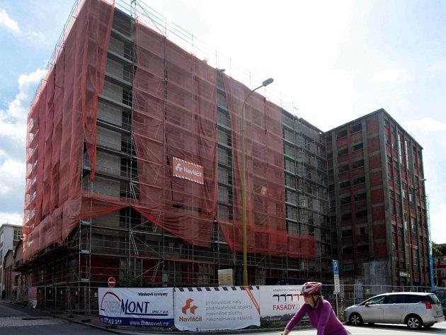 Revitalizace budovy č. 13 v tovární areál Svit ve Zlíně.
