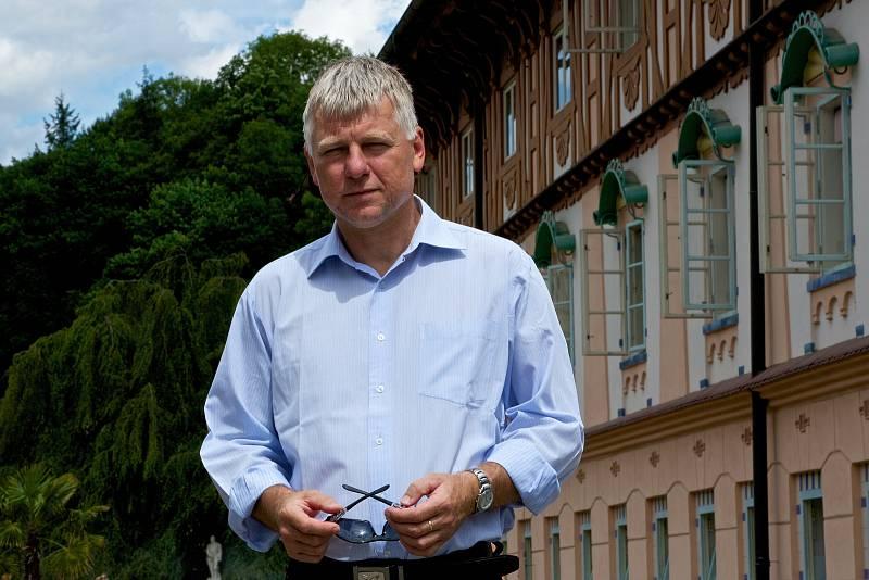Jedním ze dvou kandidátů na předsedu Zlínského Krajského fotbalového svazu ve Zlíně bude ve středu 28. dubna František Hubáček z Luhačovic.