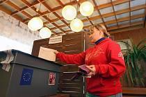 V obci Dolní Lhota na Luhačovicku přišli v sobotu 9. dubna její obyvatele opětovně zvolit své obecní zastupitele.