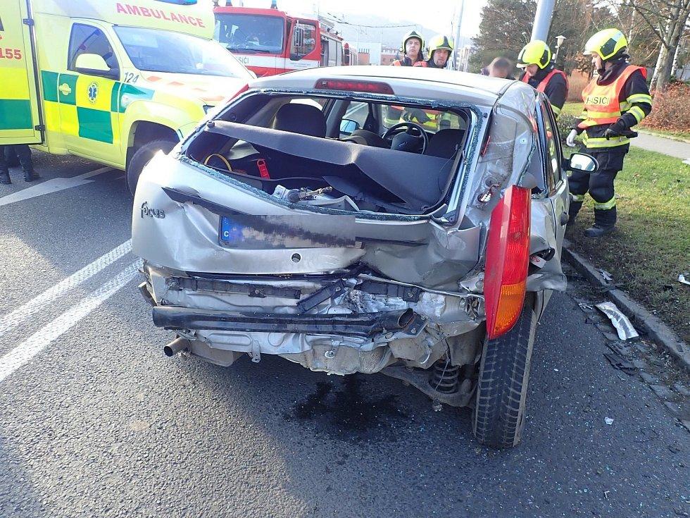 Nehoda tří osobních automobilů na Jižních Svazích u restaurace Vyhlídka