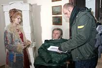 Na zámku ve Vizovicích natáčí slovenští filmaři, jednu z hlavních rolí ztvární i Miroslav Donutil.