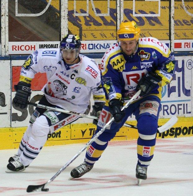 xtraligoví hokejisté RI Okna porazili Bílé Tygry z Liberce a pošesté v řadě na domácím ledě zvítězili