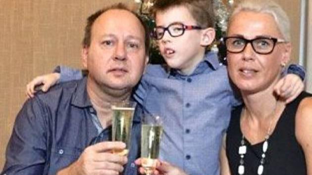 Kubík Guryča z Rožnova pod Radhoštěm se narodil v roce 2010 manželům Miloslavovi a Ester se vzácným Toriello-Carey syndromem.