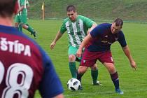 Fotbalisté Štípy (tmavé dresy) i Mysločovic v 7. kole okresního přeboru Zlína prohráli.