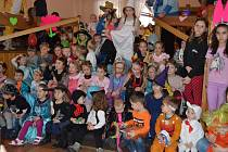 Dětský karneval se o víkendu uskutečnil v Poteči v sále u Kollerů