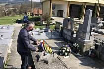 Představitelé města uctili památku obětí z Březiny.