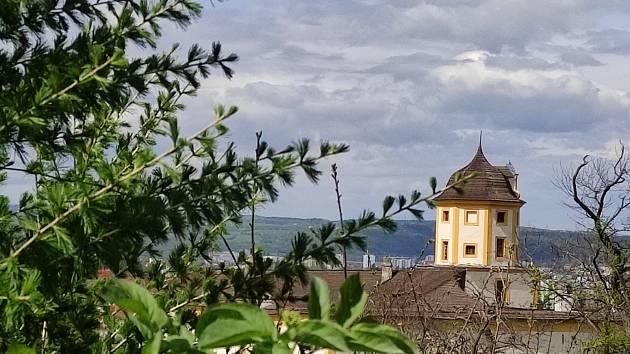 Kolem hradu Malenovice je tak krásně.