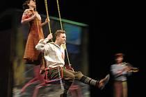 Romance pro Křídlovku v podání Městského divadla Zlín má v pondělí 17.prosince derniéru.