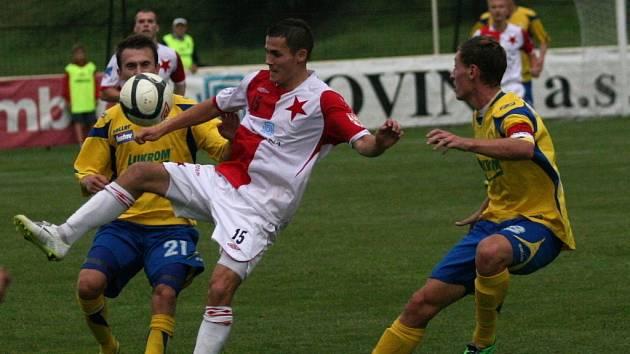 Fotbalisté Hanácké Slavie Kroměříž podlehli ve 2. kole poháru FAČR druholigovému Zlínu až na penalty.