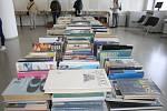 Více než polovina vyřazených knih našla své nové majitele