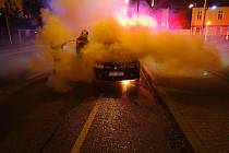 Požár osobního vozidla ve Zlíně.