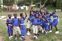 Sirotčinec v ghanském městě Bawjiase. V září 2010 tam šly děti poprvé do čkoly, ikdyž někteří by v Česku chodili už do šesté třídy.