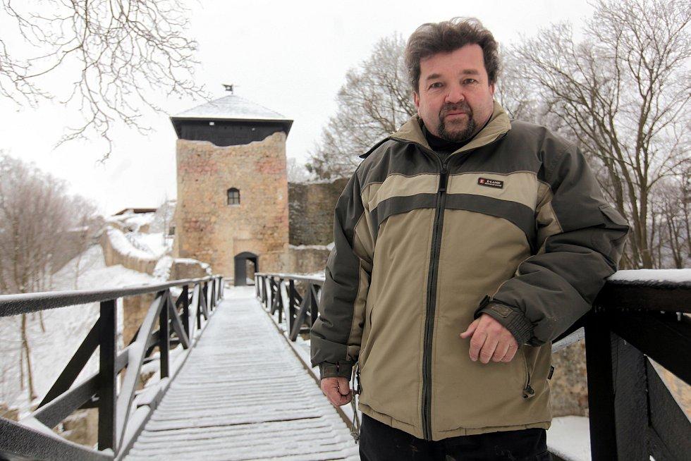 Hrad Lukov v únoru 2021. Kastelán Jiří Holík.