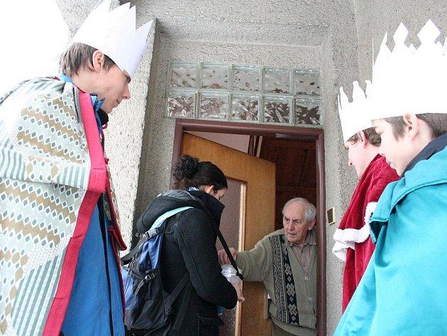 Skupinky tří králů mohli lidé ve Zlíně potkat v ulicích i v domech v sobotu 9. ledna.