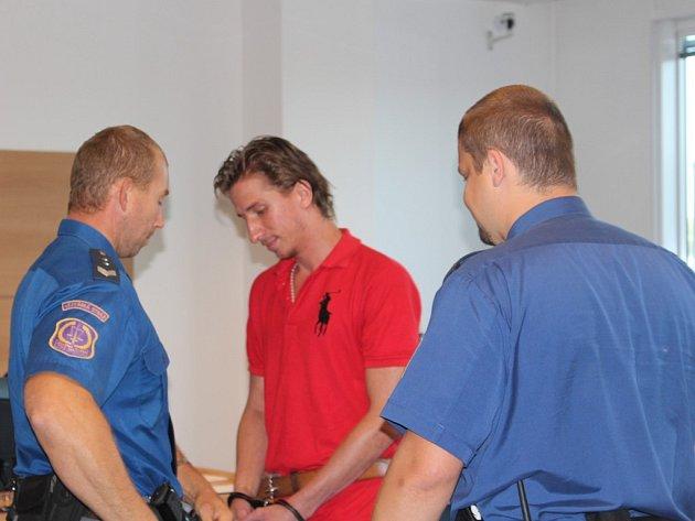 Obžalovaný Martin Petrucha u krajského soudu ve Zlíně