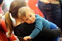 Matky malých dětí by uvítaly možnost kratších úvazků