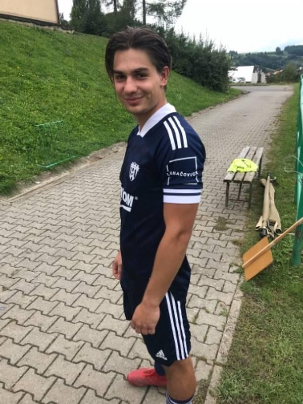 Fotbalisté Luhačovic mají nové dresy. Foto: FK Luhačovice