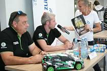 Na pět stovek fanoušků se v úterý odpoledne setkalo ve Zlíně s regionálními posádkami, které se na nadcházejícím 50. ročníku Barum Rally představí ve vozech Škoda Fabia Rally2.